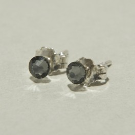 Sidabriniai auskarai su swarovski kristalais